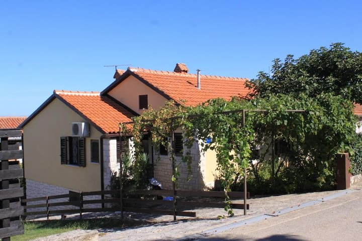 Three bedroom apartment with terrace and sea view Crveni Vrh, Umag (A-7190-a)