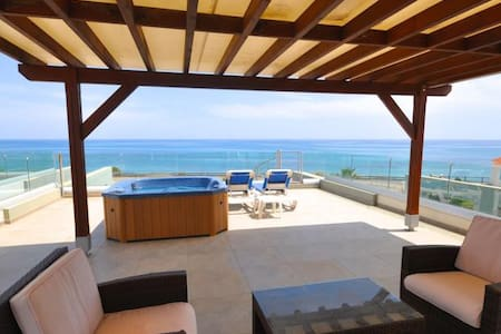 360° SEE VIEW apartment with jacuzzi on the roof - Perivolia - Apartament