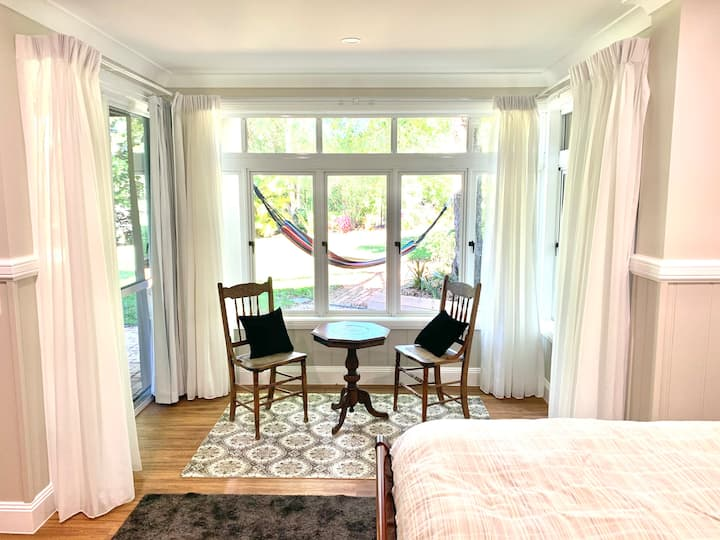 Elegant Garden Suite with King Bed near Montville