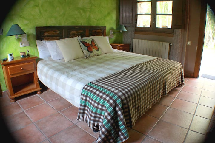 Private room for 3 or 4 in the heart of Cameros - San Román de Cameros