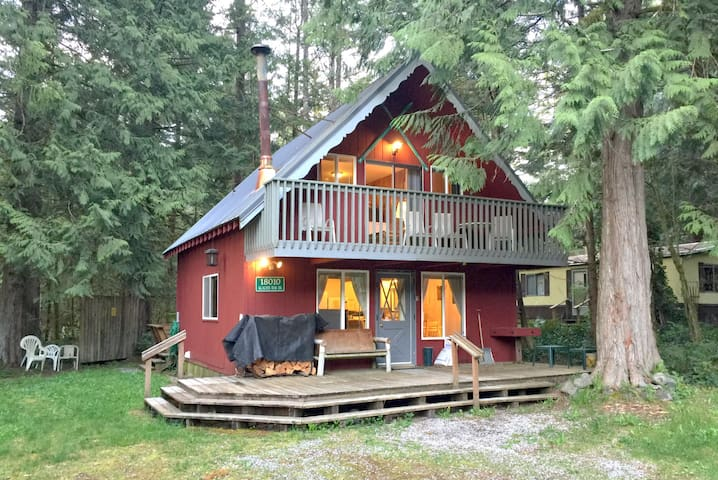 #63 - Pet-Friendly Chalet w/Wifi!