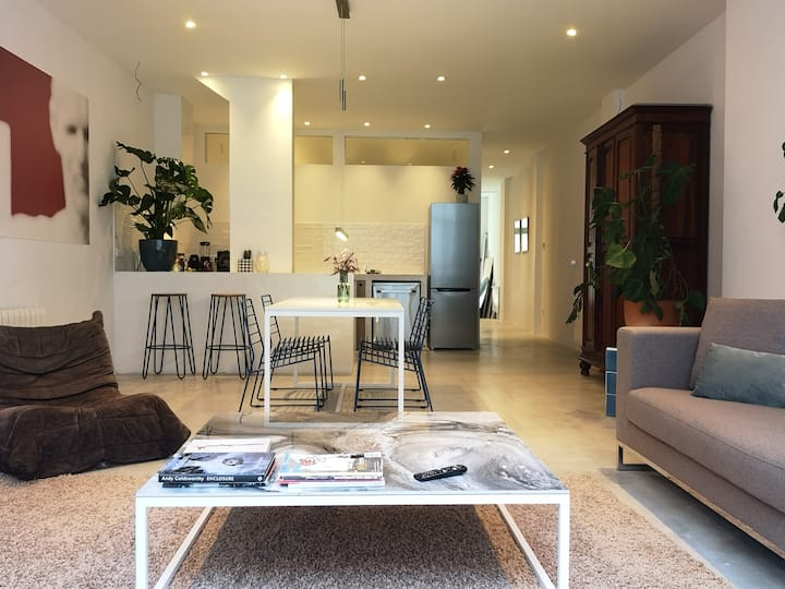 Nordic Stay Valencia Loft with patio. Ruzafa area.