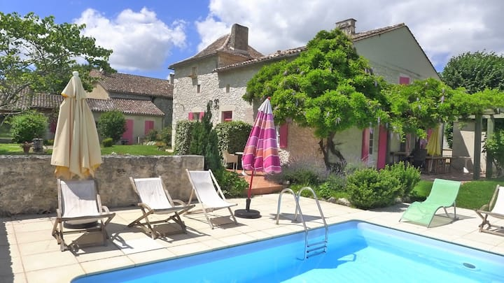 Rural Stone Farmhouse/POOL near Medieval Village