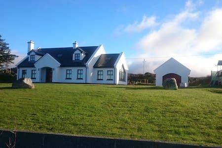 Tigh Seoige Atlantic Shore - Galway - Bed & Breakfast