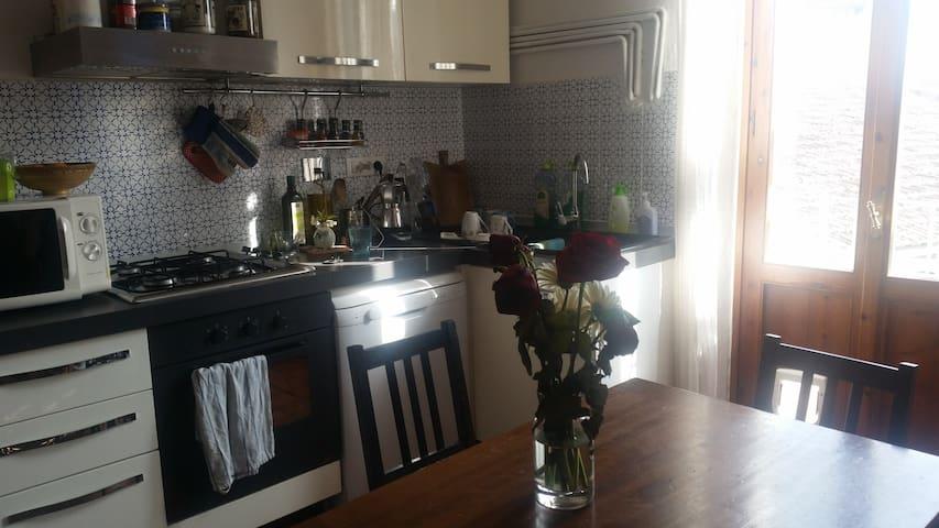 Appartamento luminoso a 10 minuti dal centro - Florencie - Byt