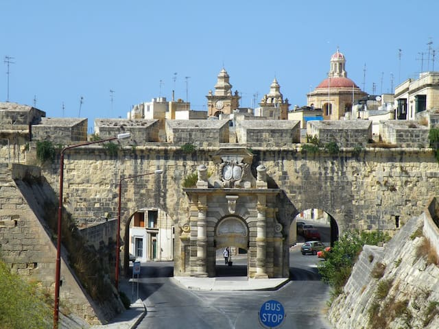 Cospicua - the fortified city walls