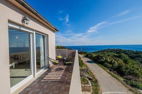 Hermosa Villa Luana amb increïbles vistes al mar