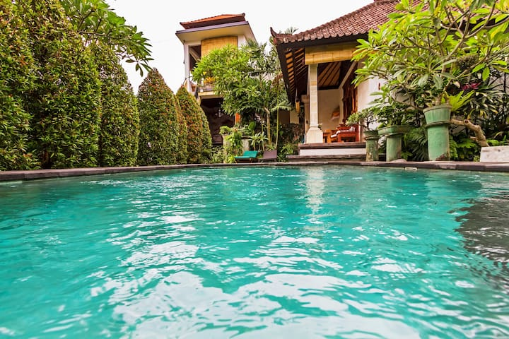 A Cozy One Bedroom Villa - 7 minutes Ubud Center