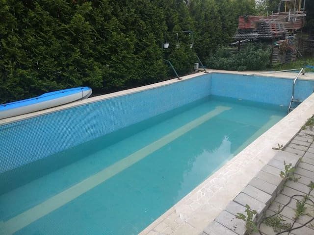 Private appartment in a villa,with pool,4/5guests