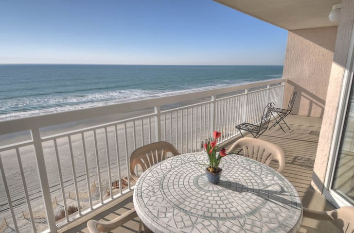 Luxury 4 bedroom oceanfront condo in North Myrtle Beach! - North Myrtle Beach - Apartamento