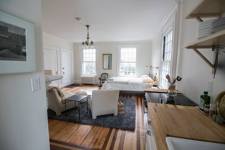 Studio by Charles River / near BOS & Harvard Sq