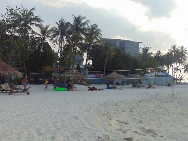 Iruvai Beach inn - Maafushi - Maison