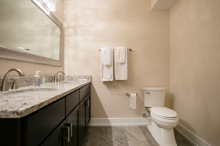 Bathroom #2 overview