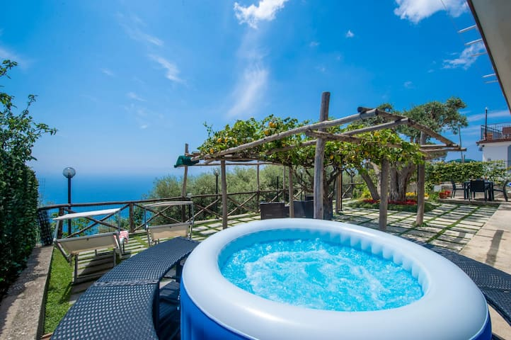 CASA NUVOLA, PRIVATE GARDEN WITH SEA VIEW