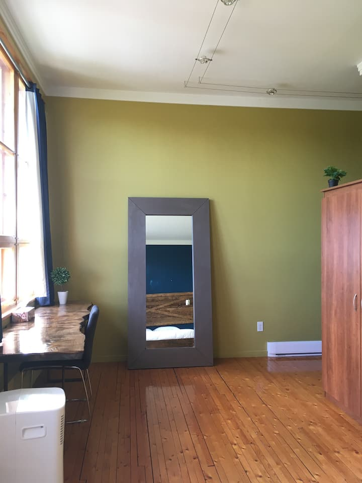 L'épinette - Salle de bain privée - air climatisée