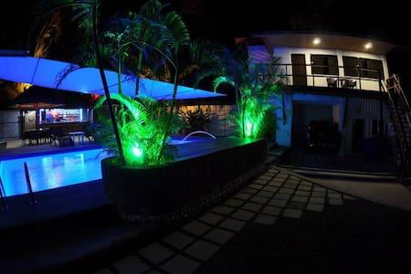 Parrot Resort Standard Room 4 - Moalboal