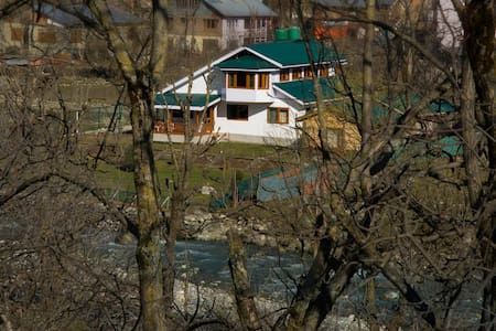 Luxury Cottage In Pahalgam - Pahalgam - Huvila