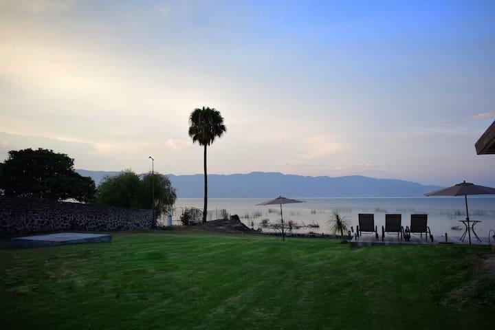 Habitación con vista al Lago de Chapala