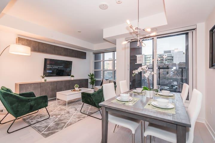 1 Bedroom Suite Great View in Downtown Toronto