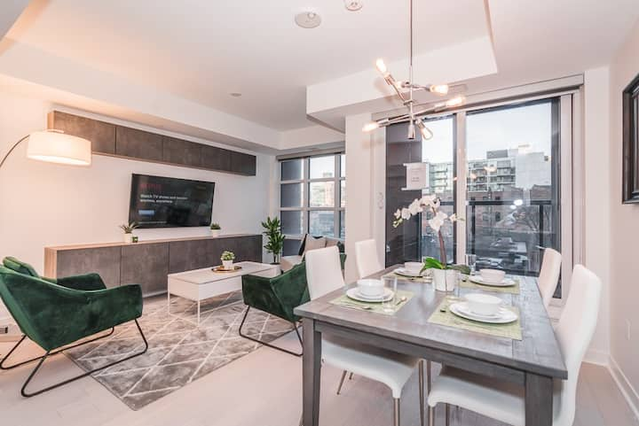 1 Bedroom Suite Great View in Downtown Toronto