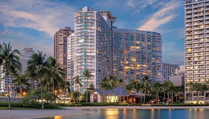 Luxurious Lanai Studio Suite in Waikiki
