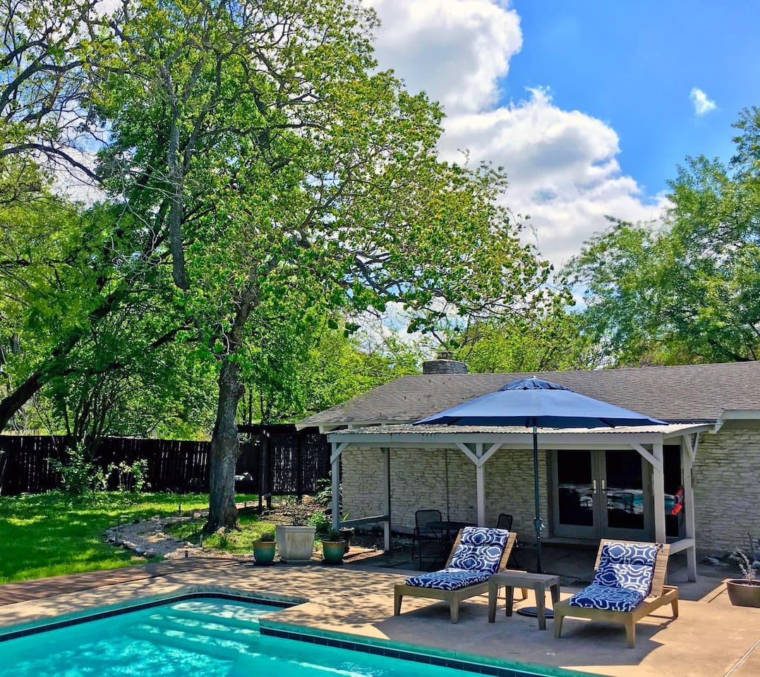 lone star oasis u0026 poolside casitas guesthouse for rent in austin
