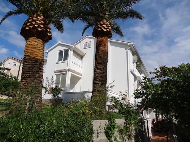 Beautiful apartment by sea Venka - Rab - Dům