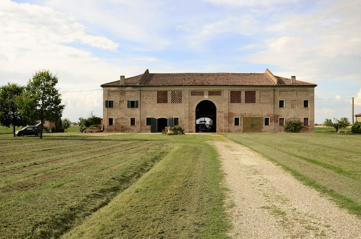 Country House - beauty, peace and essentiality - Provincia di Ferrara - Huis