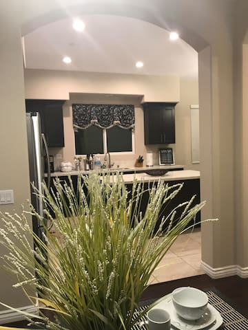 NEW 2018 HOME 2 NEAR DISNEYLAND/ANAHEIM CONVENTION