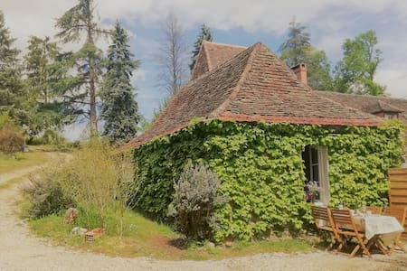 self sustained 1 bed cottage,  private spa/terrace