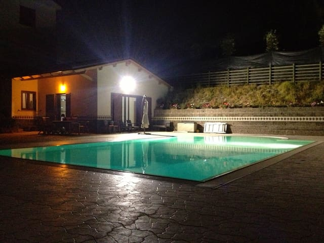 """Villa ai TRE ulivi"" with pool - first floor"