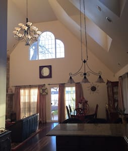 Lake House/Ski House on the Chain - sleeps 8-10 - Antioch - Dom