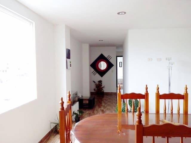 Amplio apartamento completo - Centro de la ciudad