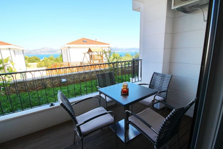 Kula - One-Bedroom Apartment with Terrace and Sea View-A2
