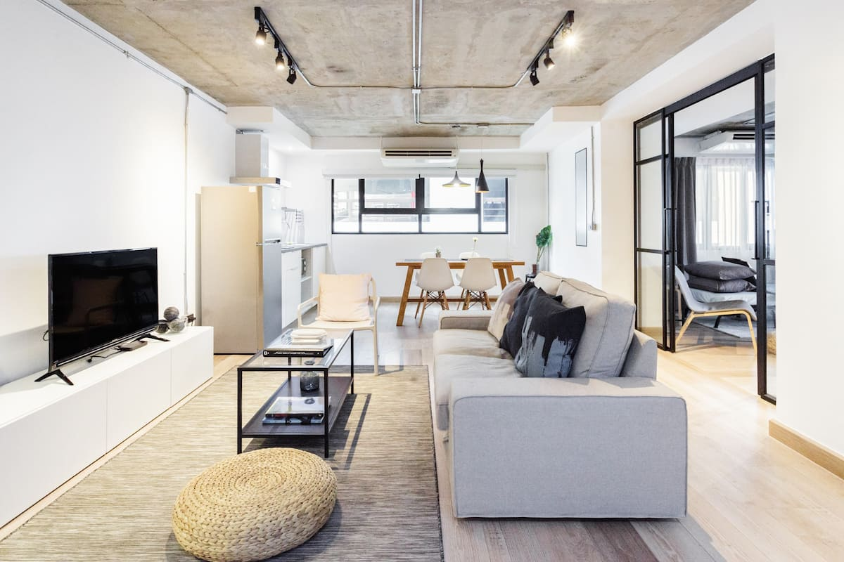 Modern Loft Living near the Nana Skytrain Station