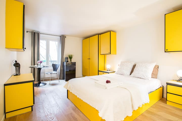 CHARMING RÉTRO HOTEL D VILLE MARAIS