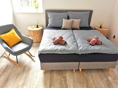 Ny stilfuldt møbleret lejlighed