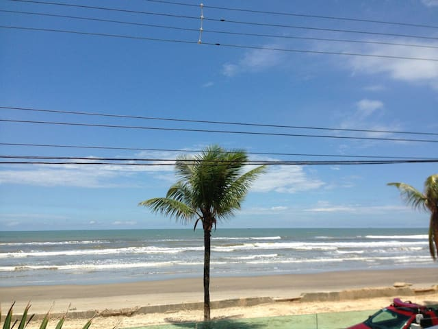 Beautiful and Top Beach Front Apartment - Mongaguá