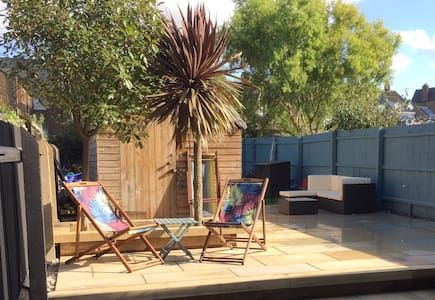 Big Seaside Home ideal for familes/groups nr Beach - Hunstanton - Ház