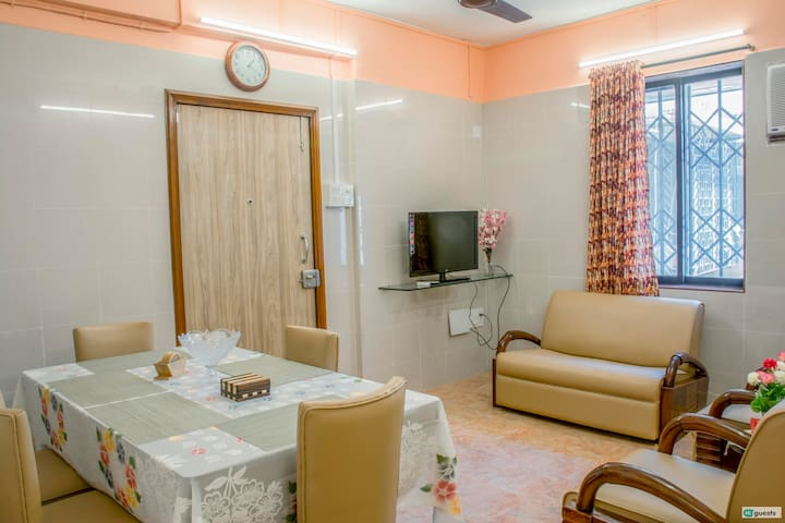 New 2BR Flat next to Siddhivinayak in Prabhadevi!