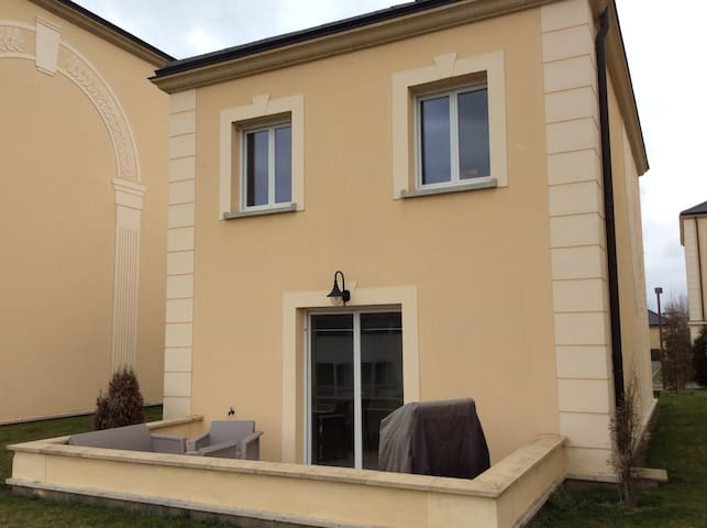 Belle maison, bien équipée, confort - Saint-Pierre-du-Perray - House