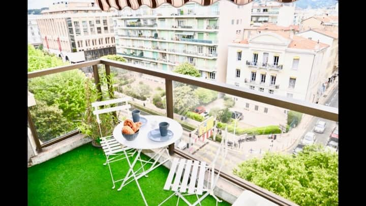 Superb studio terrace 5 minutes to the beach