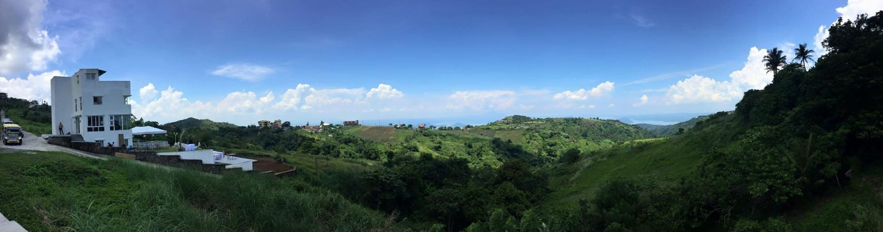Cleeve Hills Tagaytay Room 2