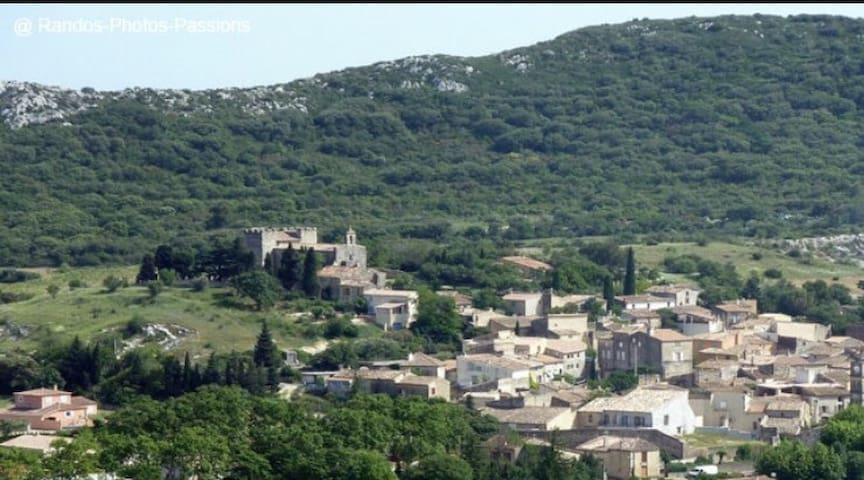 Belle maison de village - Remoulins
