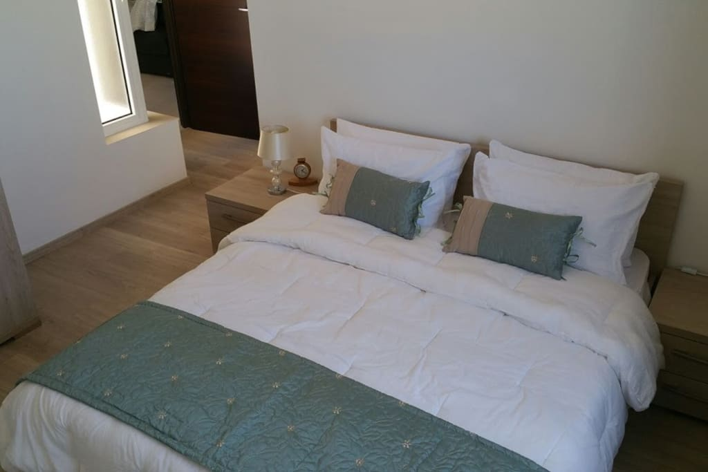 2 Bedroom Apt With Seaviews In St Paul 39 S Bay Apartments