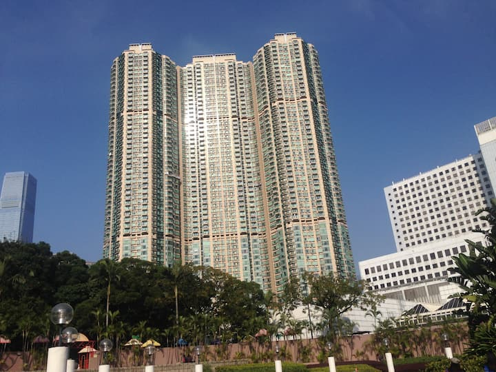 Ocean view one bedroom by Kowloon Park