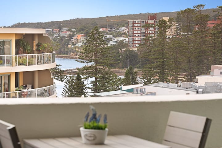 BEACHSIDE RETREAT IN THE HEART OF MANLY