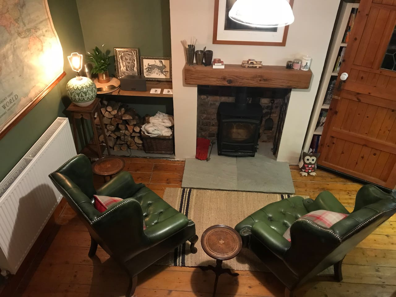Cosy log burner and arm chairs