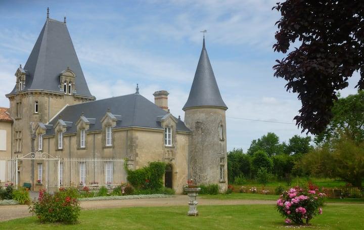 Gite du château de Sérigny en  Sud Vendée