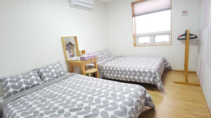 제주에서 제일 싼 개인실/ 개별욕실/ 가성비갑 B